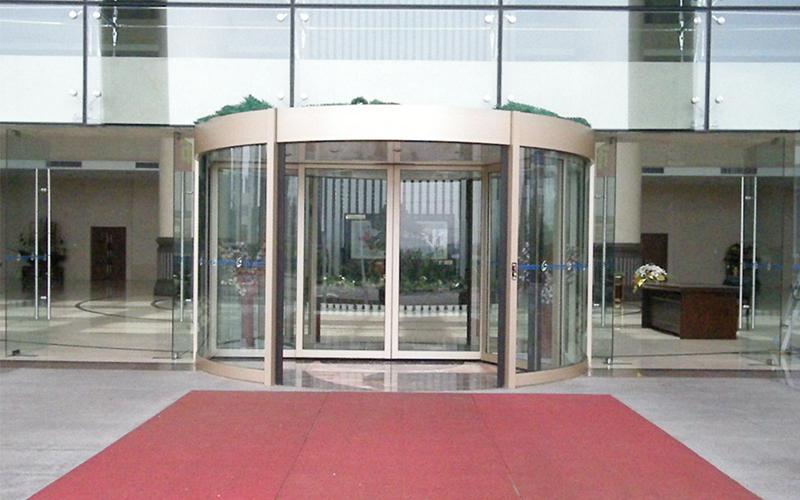 选门道佰分佰为旋转门生产安装维修维保升级服务商的理由
