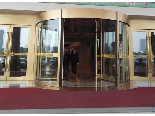 智汇门道旋转门维修常州某酒店旋转门配件维修服务案例