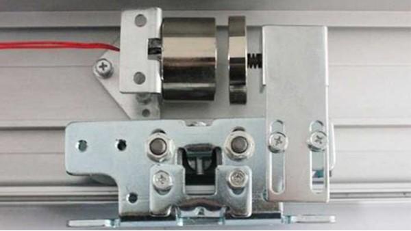 自动玻璃平移门磁力锁常见故障维修方法