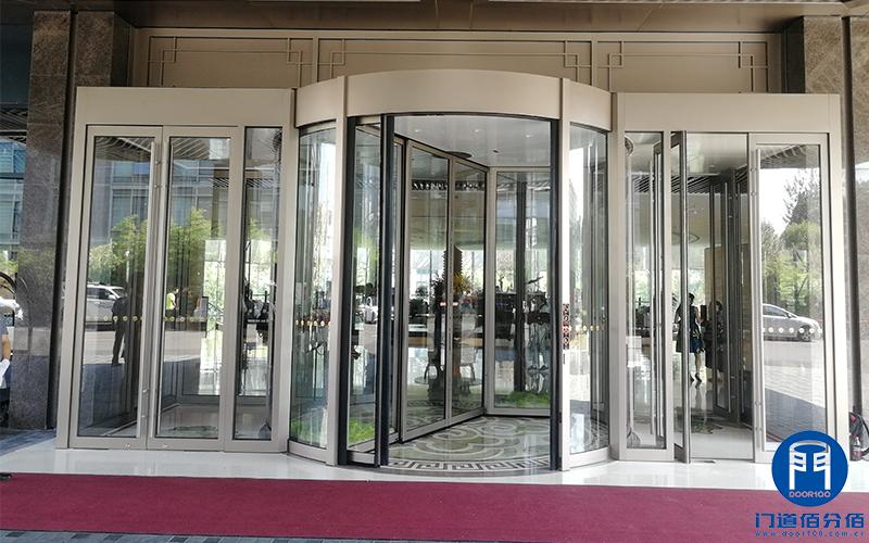 北京某酒店旋转门门区以旧换新改造服务案例