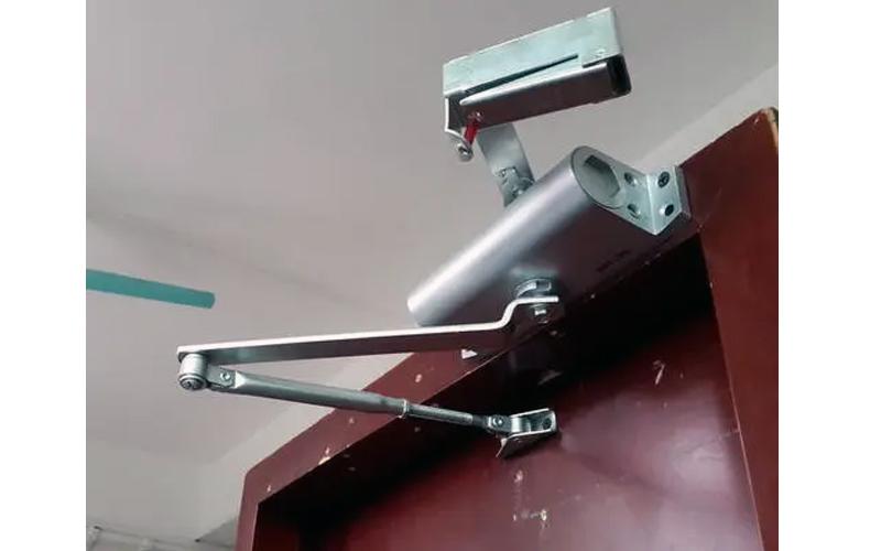 防火门电动闭门器安装使用说明
