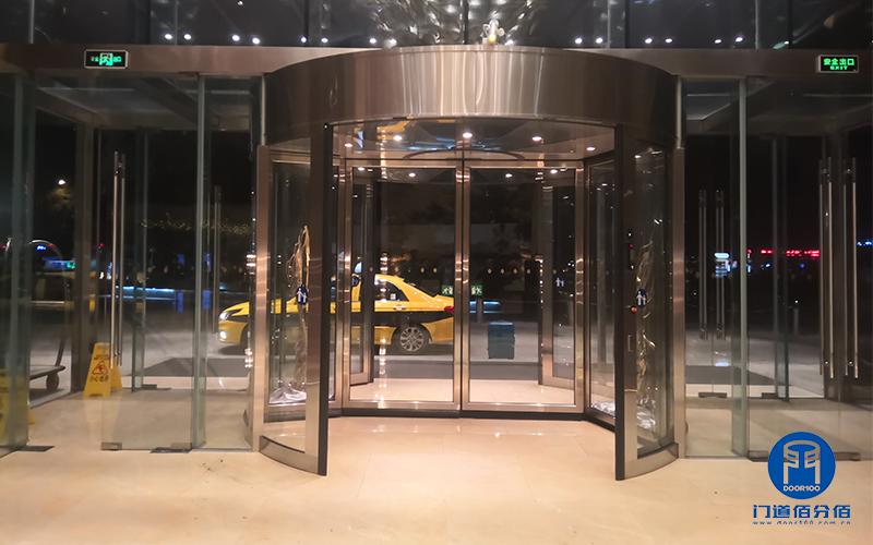 福建福州某洲际酒店自动旋转门平移功能维修服务案例