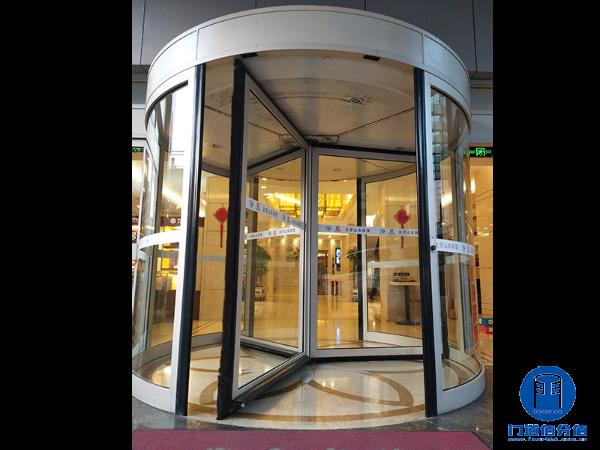凯必盛旋转门升级之山东宾馆凯必盛三翼自动旋转门升级服务案例