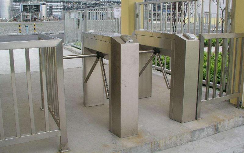 适用于各种门型不锈钢型材的正确清洁保养方法