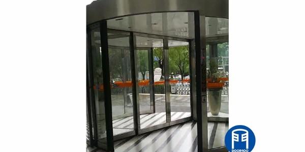 中国石化工程建设公司KBB旋转门翻轨升级服务案例