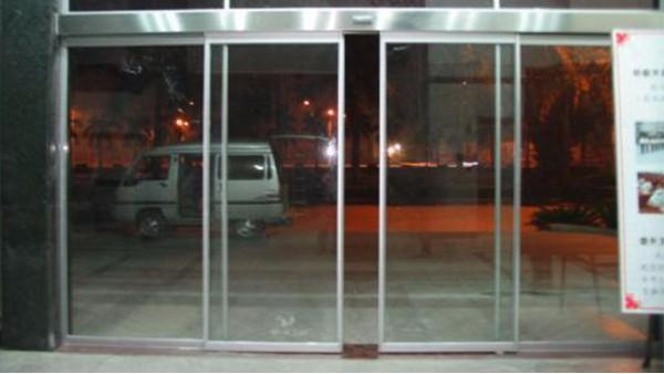 电动玻璃门的材质及维修注意事项