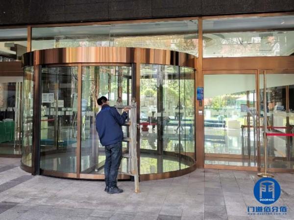 北京东城酒店宝盾自动两翼门维修升级方案与服务过程服务案例