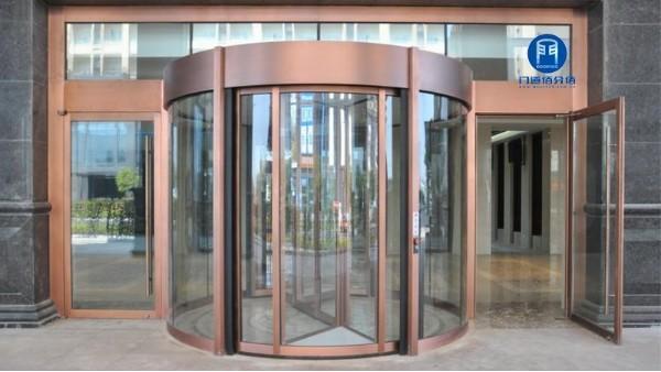 旋转门及地弹门、固定隔断安装现场技术要求