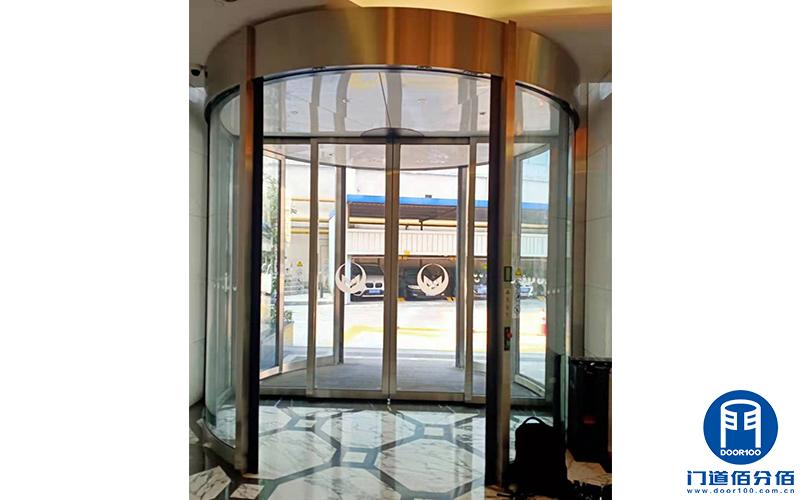 上海黄浦区某酒店更换维修圣维旋转门主动轮总成服务