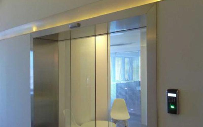 怎么做才是正确的日常维护保养自动感应玻璃门