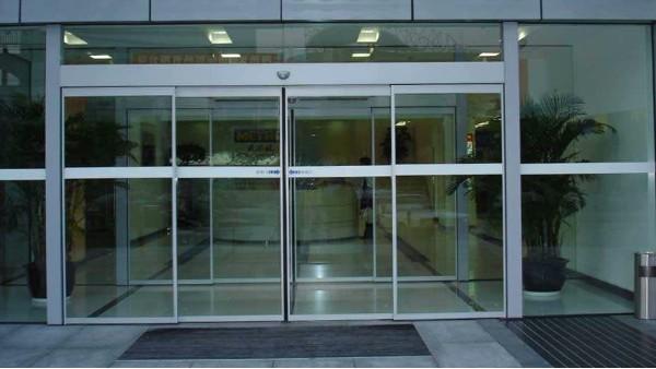自动玻璃门常见故障维修方法与自动门门机优劣检验方法