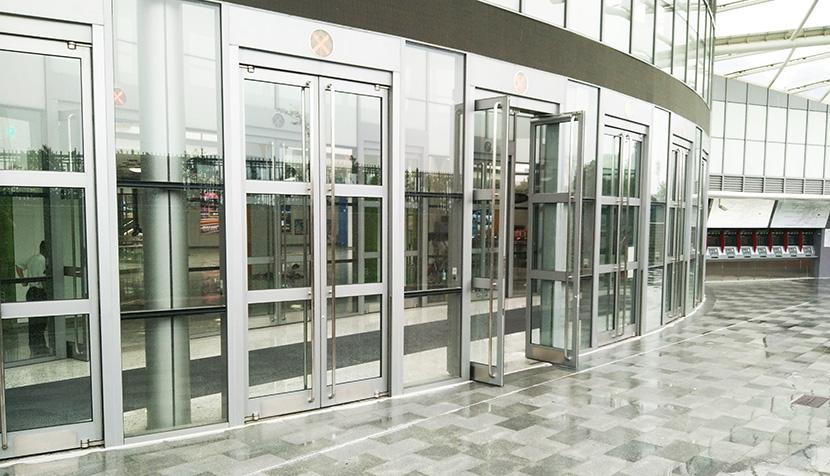 上海轨道交通11号线迪士尼站自动平衡门维修服务案例