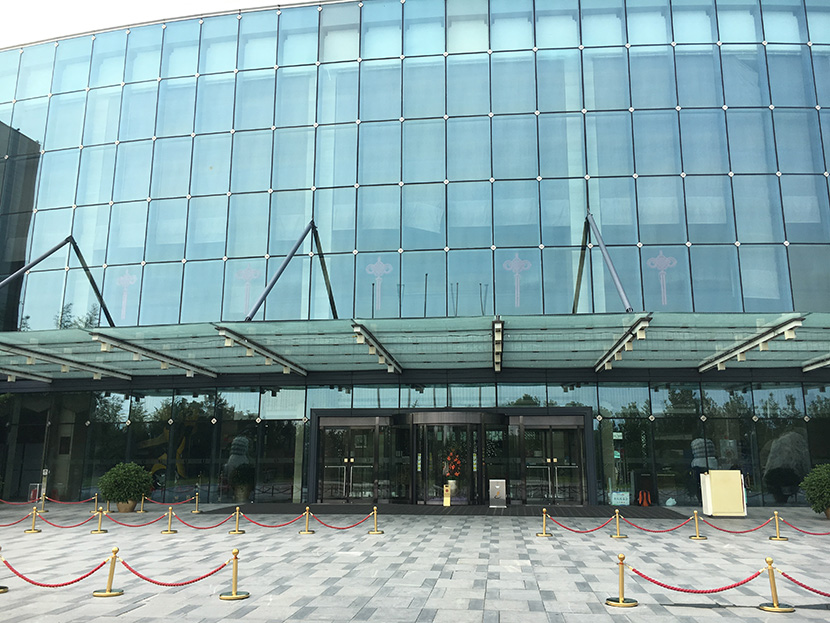 北京丽维赛德酒店自动旋转门维修服务案例