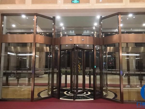 安徽金寨某花园酒店自动三翼旋转门保养服务案例