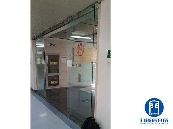 案例介绍:自动无框玻璃门驱动电机维修服务