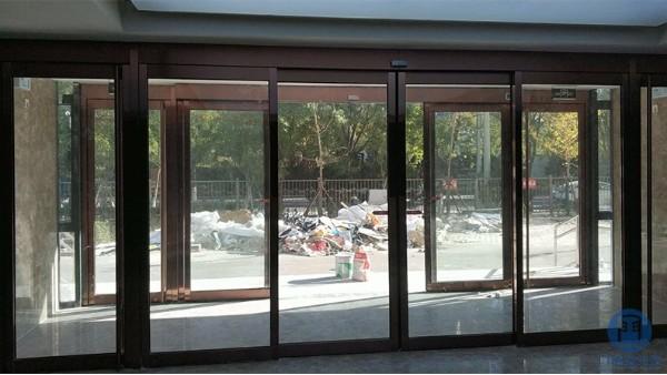 自动玻璃门维修之常见自动玻璃门故障原因分析
