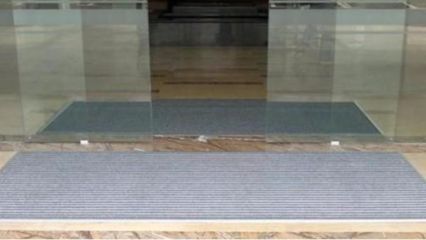 四步教你完美安装铝合金地垫