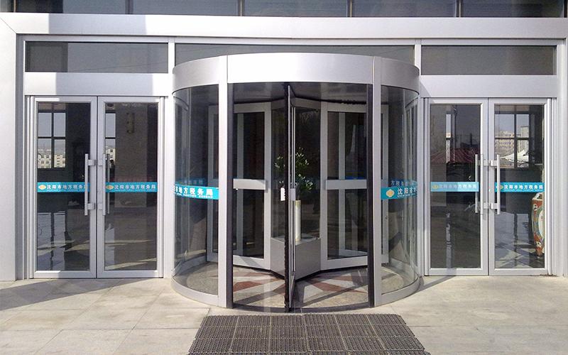 旋转门对安装场地与日常使用环境要求详解