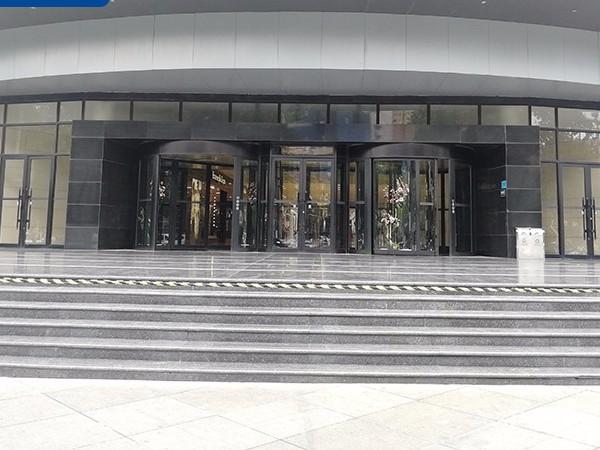石家庄北人集团旗下购物广场凯必盛旋转门保养服务案例